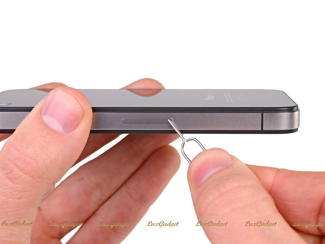 Как открыть айфон 4